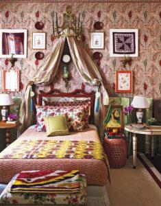 Inred ditt hem med färgstark maximalism!