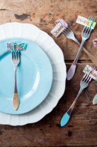 DIY – Måla bestick och gör enkla placeringskort av tapet