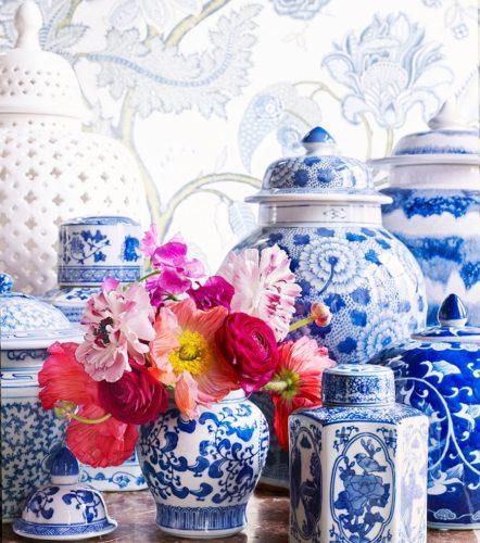 Inred med vaser i blåvitt porslin