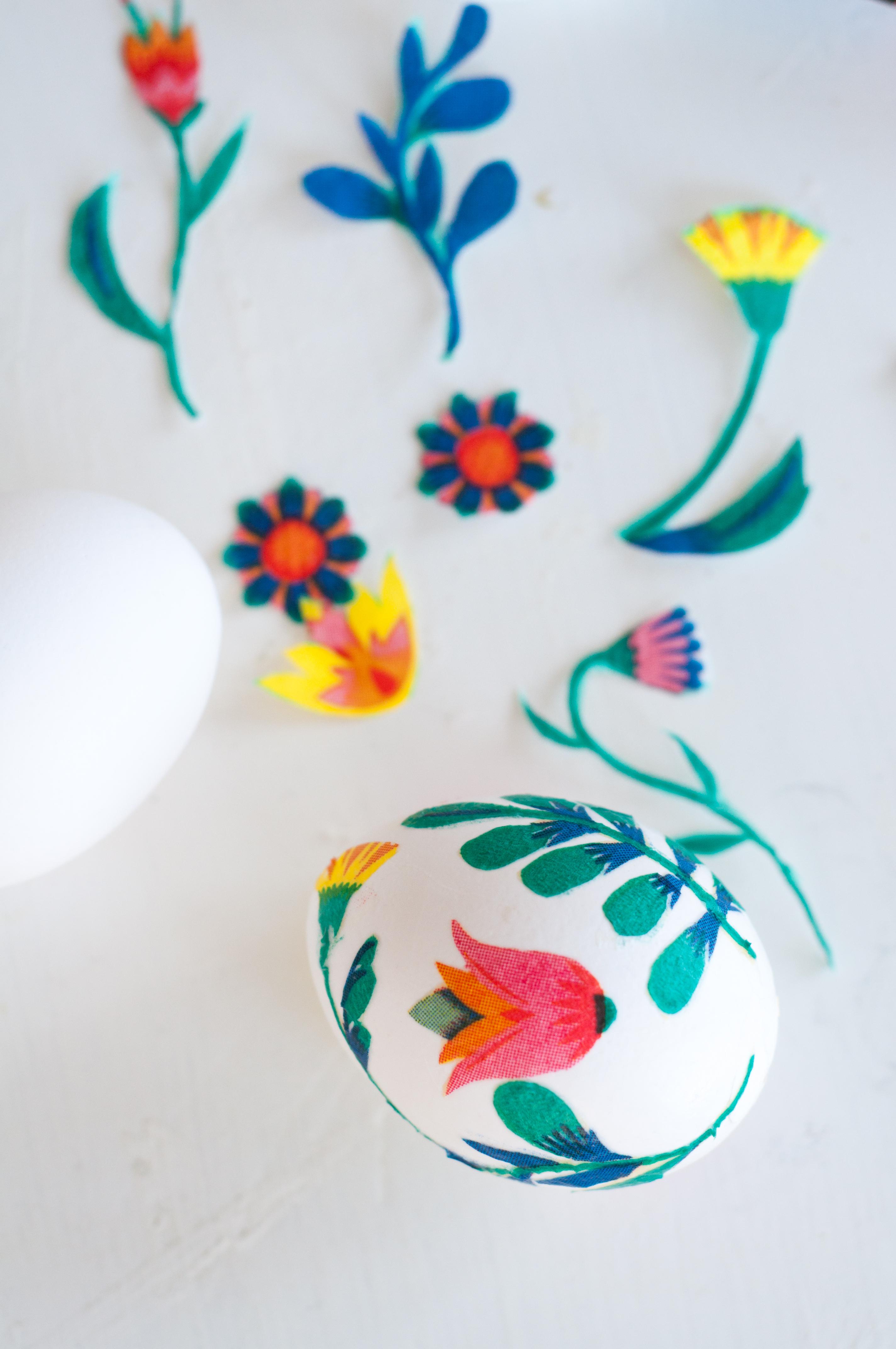 Påskpyssel - Dekorera ägg med decoupage - Fröken Turkos