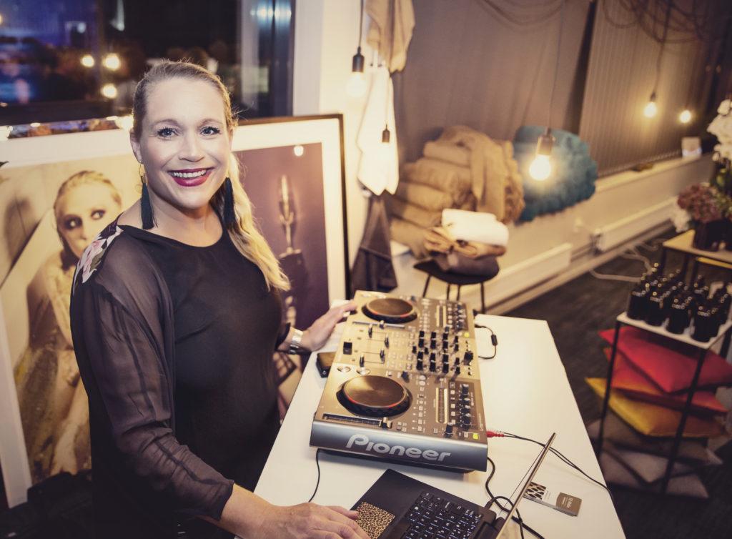 Det kvinnliga nätverket Studio25 - DJ Malin