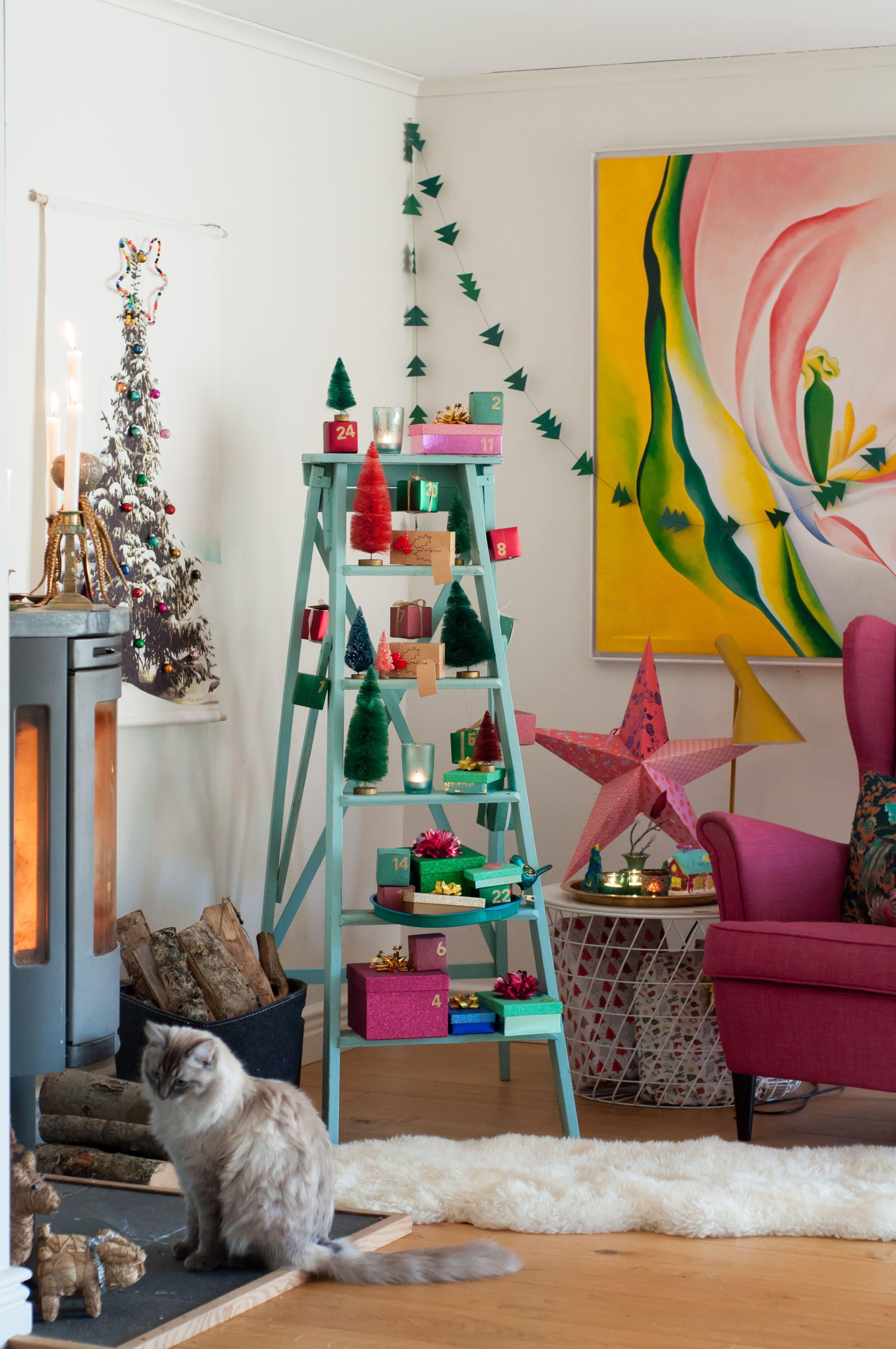Adventskalender, Paketkalender, Julkalender, Julklappskalender av Leonor Juhl Kristiansson - Fröken Turkos