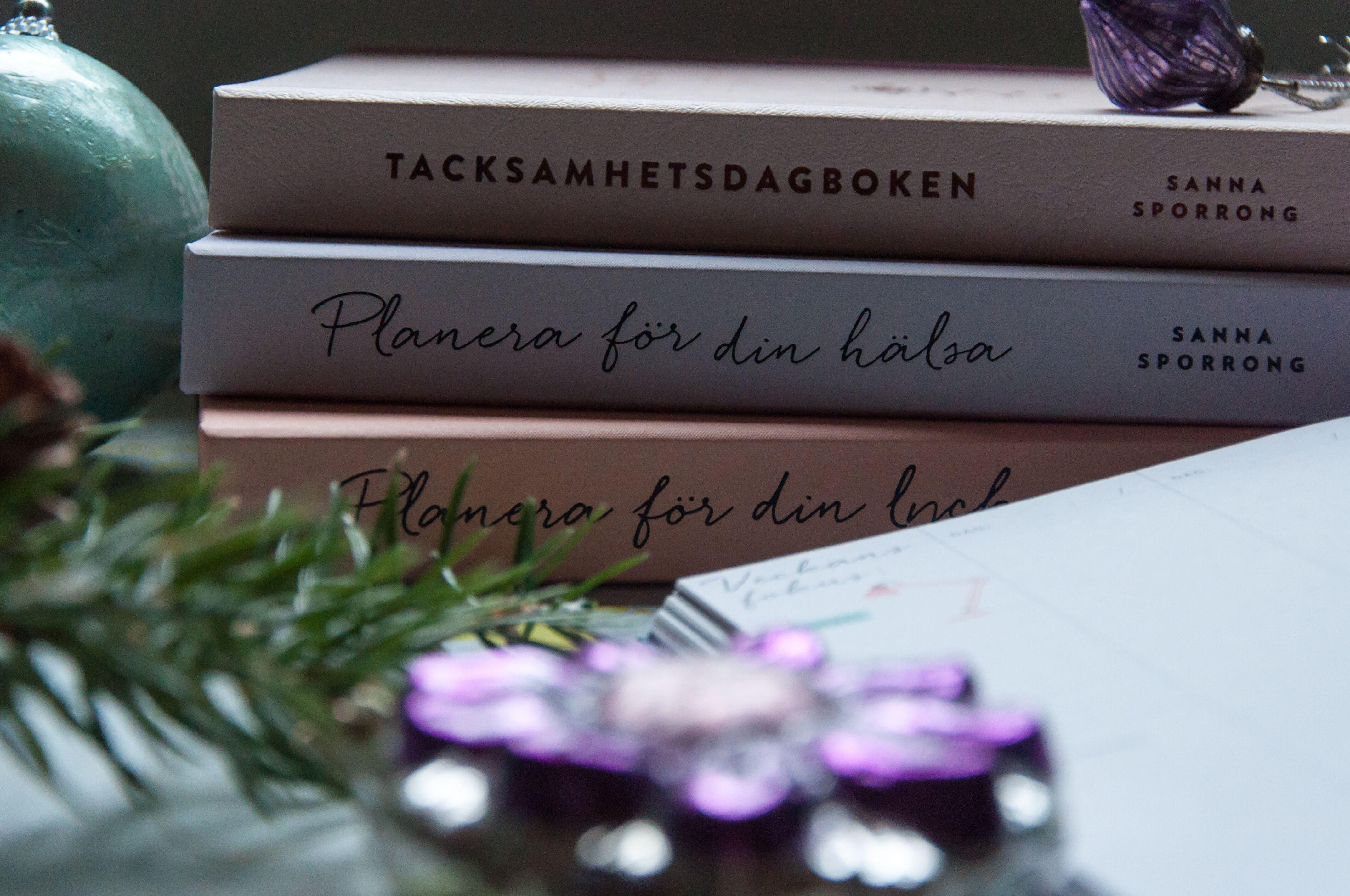 Hårda klappar - Bästa böckerna du ger bort i julklapp. Planera för din lycka . Av Sanna Sporrong