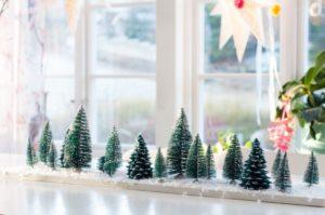 Bordsdekoration till jul - Granar och vinterlandskap, av Leonor Juhl K